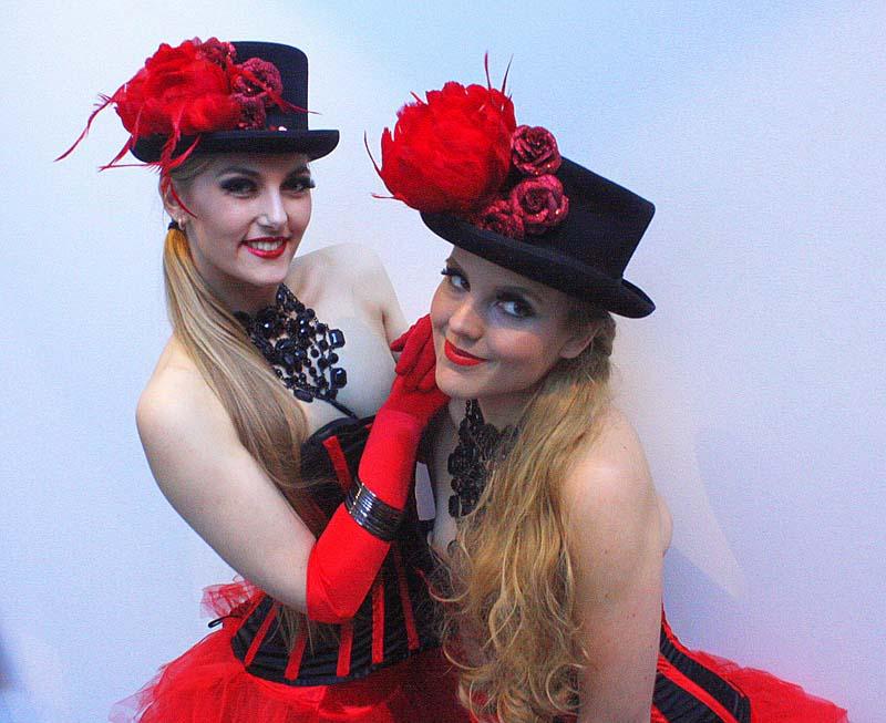 Girls_on_Stilts_boeken_Sierhuis_Events